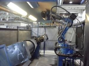 Cela z robotami spawającymi MOTOMAN YR-UP6-A00