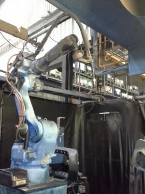 Cela z robotami spawającymi MOTOMAN YR-UP6-A00_4